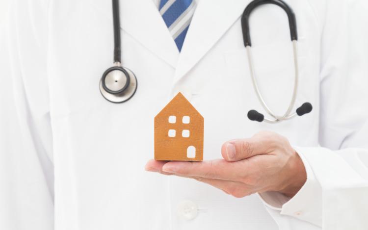 医師と不動産投資は相性がいい?その理由とメリット・デメリットを解説